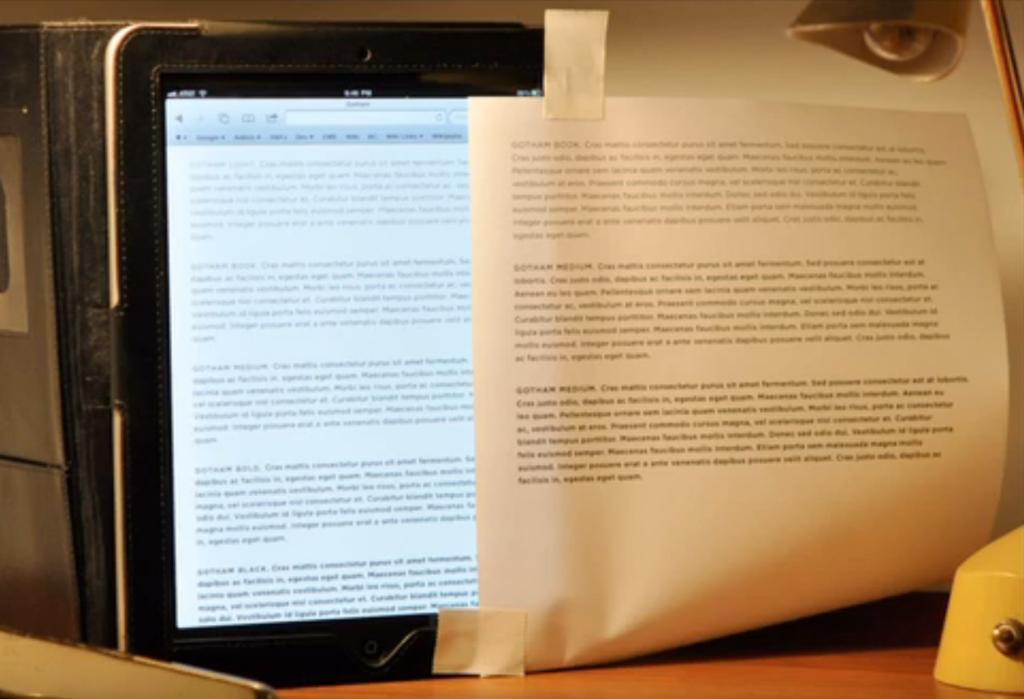 צילום מסך מתוך הסרטון בו ג'ונתן השווה פונט שיצר עם מטרה לדפוס לאותו הפונט אך אחרי התאמה למסכים.
